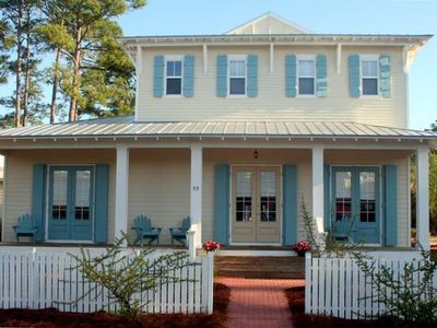 Photo for 4 Bedroom/4.5 Bath Beautiful Interior Perfect For 2 Families!!!