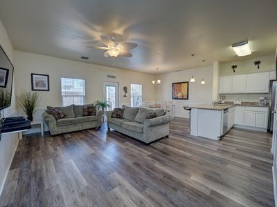 Spacious & private duplex, with nice updates, close to beach & on the pool