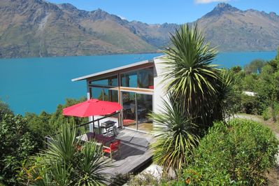 Lakeside setting with magnificent views