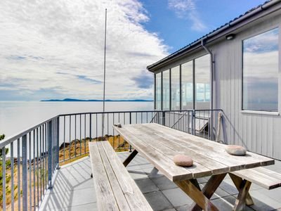 Photo for Open-concept waterfront getaway with stunning views of the Salish Sea!