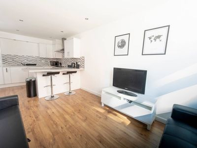 Photo for Modern 1 BD Flat near Deansgate, Castlefield - One Bedroom Apartment, Sleeps 4