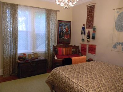 beautiful tropical nuance bedroom | Beautiful and Large Bedroom in B& in Exquiste Tropical ...