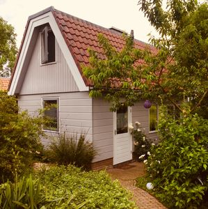 Cosy family holiday home in old fishermans village, near Amsterdam. Free WIFI