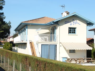 Photo for NEW - Large renovated villa with garden!