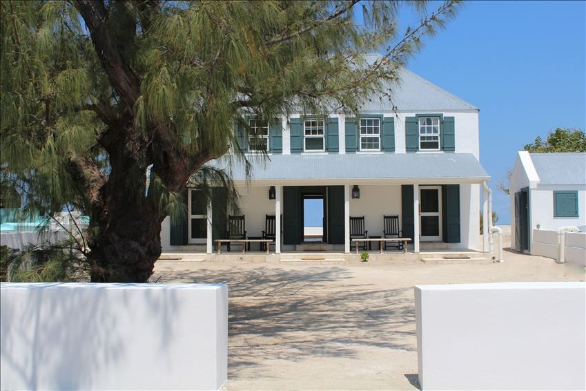 Direct Ocean Front Historic British Colonial Vacation House