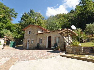 Photo for Wonderful private villa with private pool, internet, TV, patio and parking, close to Lucca