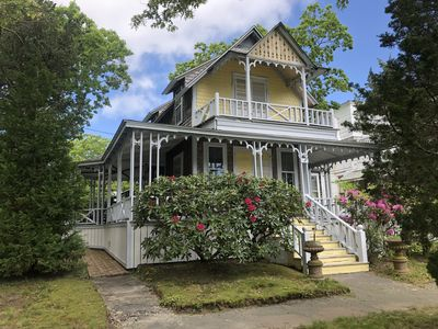 Photo for Oak Bluffs, victorian cottage, close to all