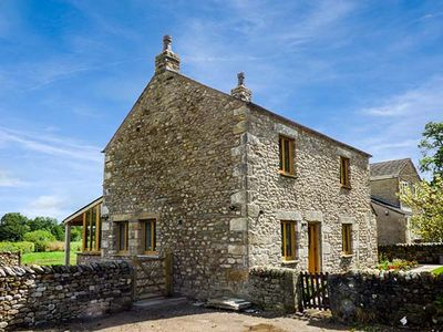 Photo for LANE FOOT COTTAGE, pet friendly in High Bentham, Ref 941573