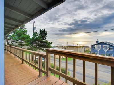 Photo for Relaxing home w/ ocean view, tranquil setting, close to beach!