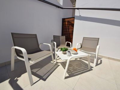 Photo for Apartment in the center of Okrug Gornji with Parking, Internet, Air conditioning, Pool (122287)