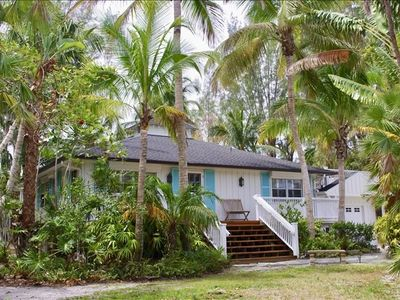 Feeling the Winter Blues? Book this classic Old Florida Home in the Heart of Sanibel!