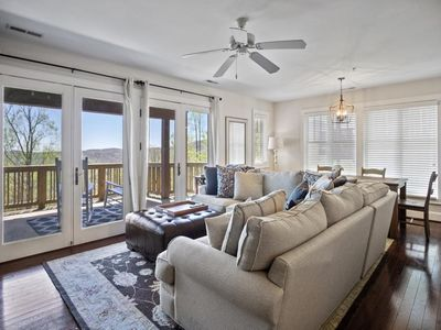 Photo for Grand Oaks RP2 Close to High Country Attractions, Gated Resort, Indoor & Outdoor pools, Fitness R...