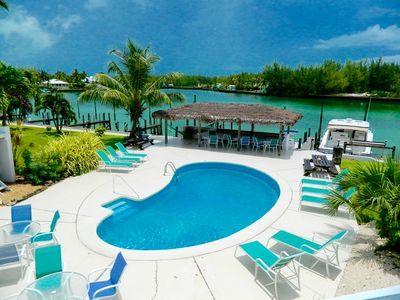 Photo for Condo 2b/2b, next to pool, Boat Slip included! mins from gorgeous beach