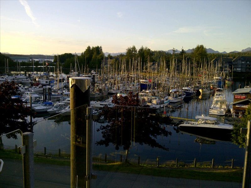 Spacious, Modern and well set up Modern Harbourside Condo in Relaxing Ucluelet