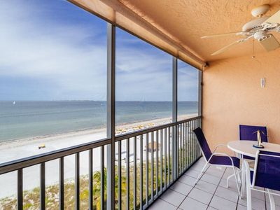 Photo for Get in a Flip Flop State of Mind! Luxury Top Floor Beachfront Condo!