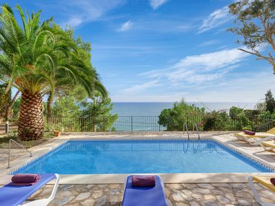 Photo for 3 bedroom Villa, sleeps 6 with Pool