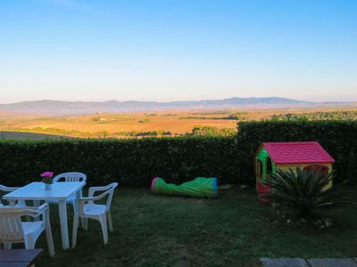 Photo for 2BR Apartment Vacation Rental in Pomaia, Toscana