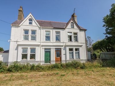 Photo for 5BR Cottage Vacation Rental in Pwllheli