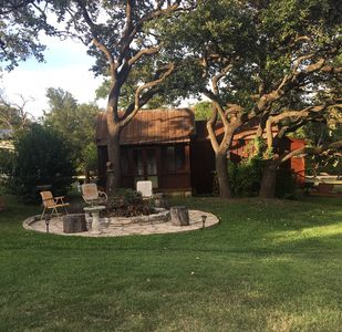 Photo for Great country cabin minutes west of downtown Austin
