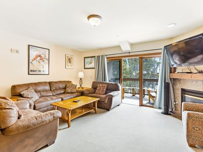 Photo for Family-friendly condo w/mountain views, shared hot tub & pool - shuttle to lifts