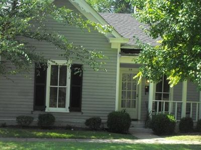 Photo for Pioneer Park Cottage, 2 BR/2 BA Downtown Historic Bardstown