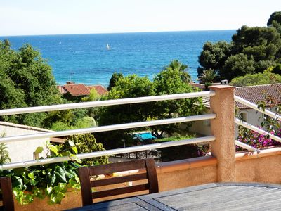 Photo for Very beautiful Provencal villa in a quiet setting, with sea view and outdoor heated swimming pool