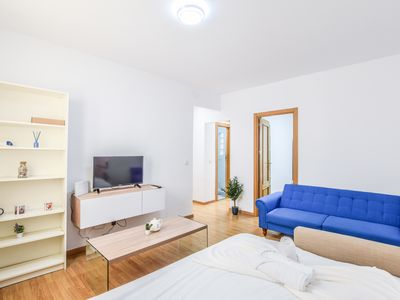 Photo for NICE AND COZY APARTMENT RETIRO AREA
