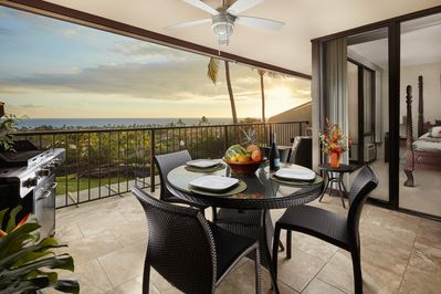 The views and sunsets from the lanai are breathtaking!
