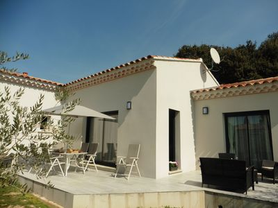 Photo for CONTEMPORARY VILLA CLIMATED AT THE FOOT OF MONT VENTOUX