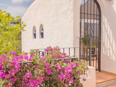 Photo for Exclusive and very complete villa in top location with phenomenal view of the coast