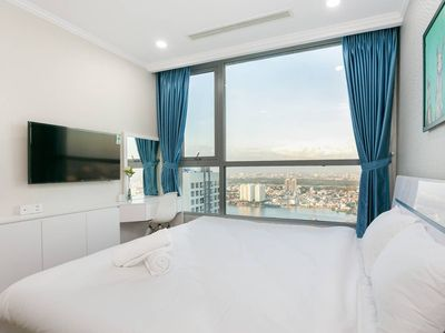 Photo for Luxury River Park View 3BRs Apartment in Vinhomes Central park