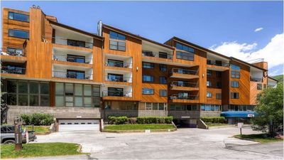 Photo for Beautiful 1BR, 1BA Vail Condo - Full Kitchen, Fireplace, Balcony plus much more!