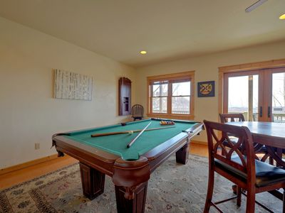 Photo for 5 Bedroom Spacious Cabin With Amazing Views, Pool Table, and Pet-Friendly! Includes a Biltmore Pass!