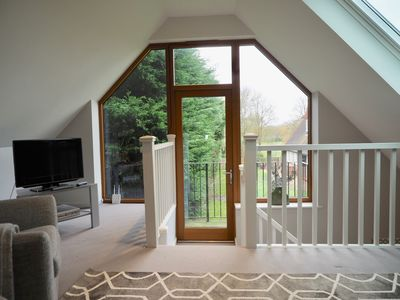 Photo for Riverbank one bed lodge - Long Wittenham