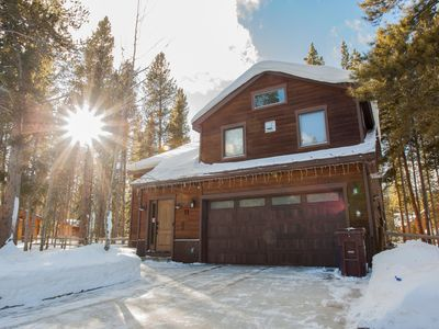 Photo for Luxurious 3 bed mountain home with hot tub