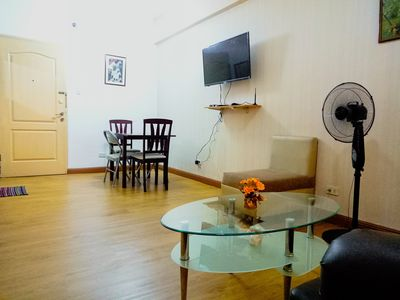 Photo for Authentic 1BR-BGC Center near Burgos Circle+Wifi!