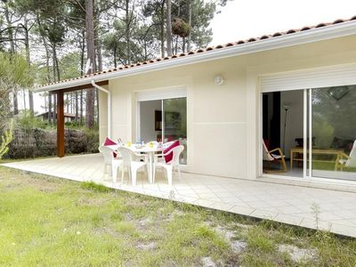 Photo for Adjoining 6-person house at the edge of a forest and near the beach, quiet neighborhood - 40600 Biscarrosse