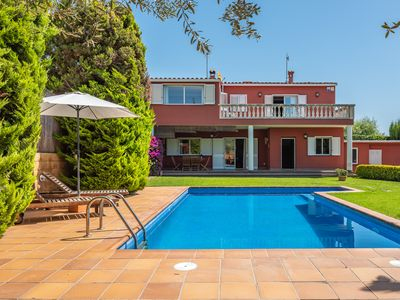 Photo for Beautiful house with free wi-fi and private pool