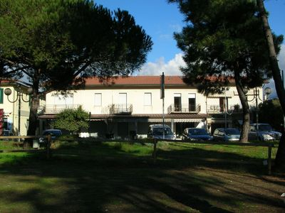 Photo for Two bedroom apartment with verandah, 100m from the beach. Free WiFi.