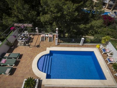 Photo for Villa plus 2 Apartments (max12 persons) with private pool