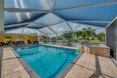 Summer Specials starting at $99 a night - Large Pool/Spa - Canal - Kajak -  Boat - Cape Coral