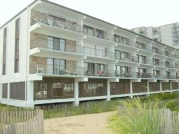 Direct oceanfront 2BR, 2BA condo in Bimini on 87th Street