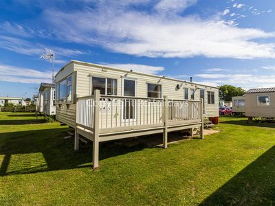 Photo for 8 berth caravan for hire in Heacham Holiday Park in Norfolk ref 21038