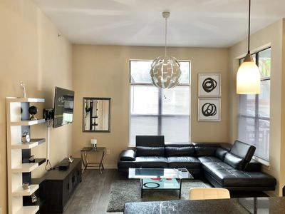 Stunning Downtown Modern Oasis! Walk to Edgewood Strip and Ponce City Market