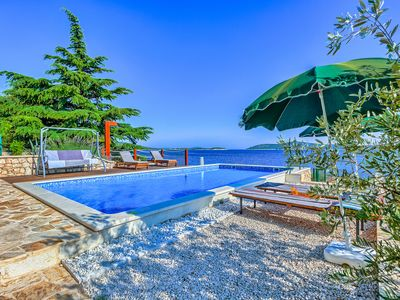 Photo for Amazing BeachFront Villa with 5 bedrooms for 12 people on the beach