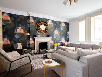 Photo for The Kensington Gardens - Stylish & Bright 4BDR Maisonette with Study