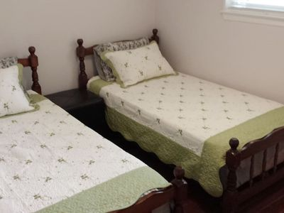 Photo for Cozy private room very clean in Newmarket, ON N3
