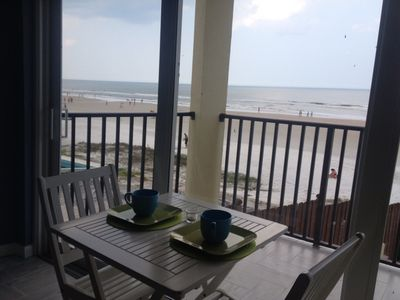 Photo for DAYTONA BEACH GET AWAY! DIRECT OCEANFRONT!Pet Friendly Daytona inn beach resort