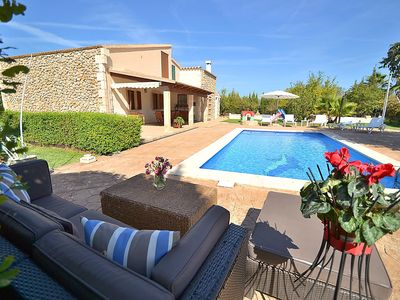 Photo for Beautiful country house with pool, air conditioning and wifi ideal for children