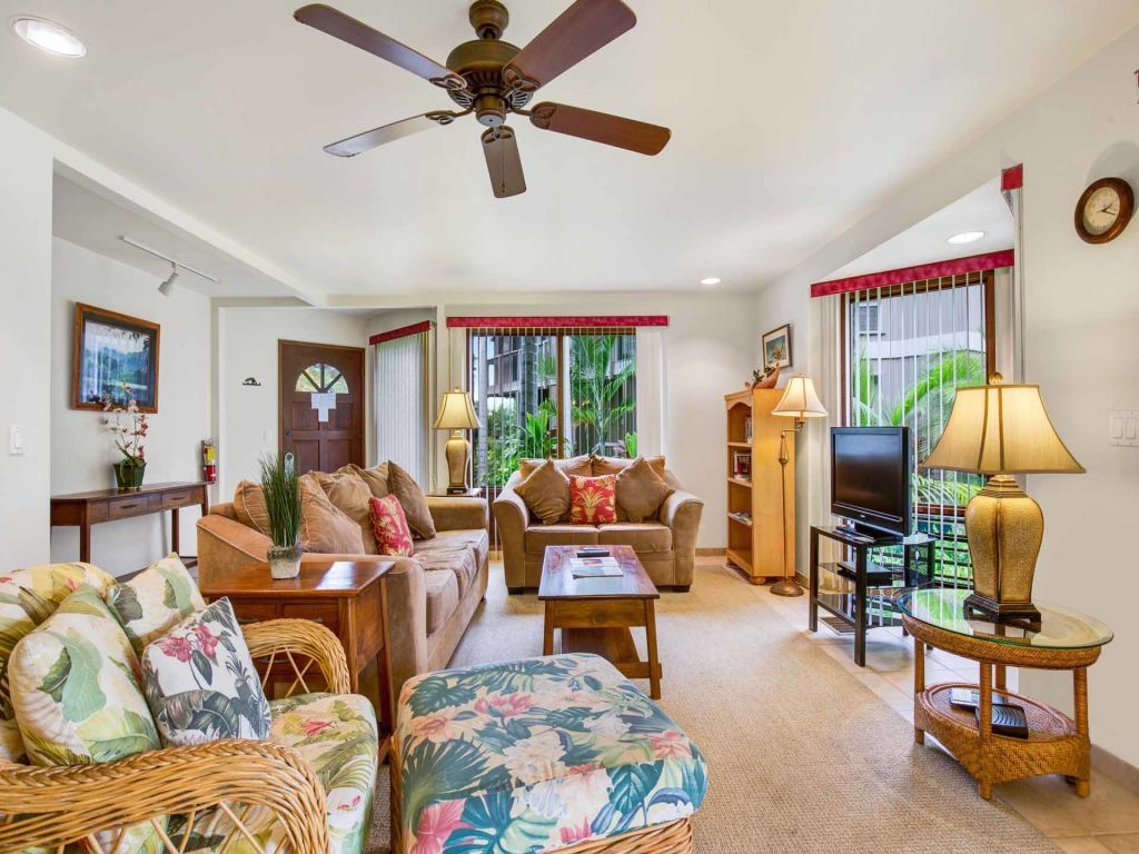 Fairway View from Lanai w/Wet Bar! Kitchen+Laundry Perks, Ceiling ...
